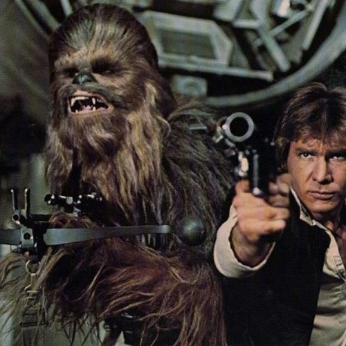 Chewbacca (Peter Mayhew) et Han Solo (Harrison Ford) dans Star Wars, Episode IV, Un Nouvel Espoir (1977).